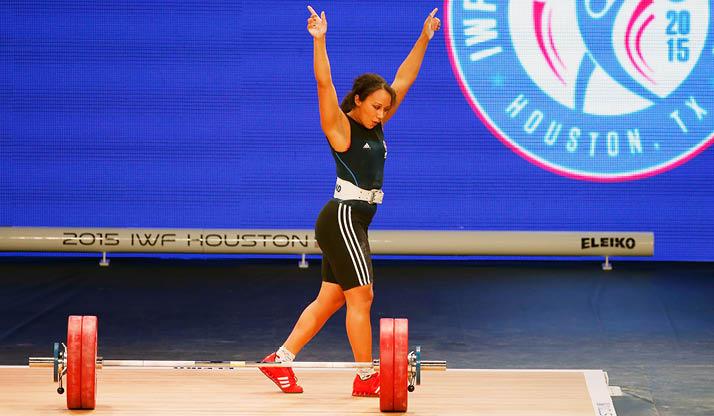 Zoe Smith celebrates a big lift